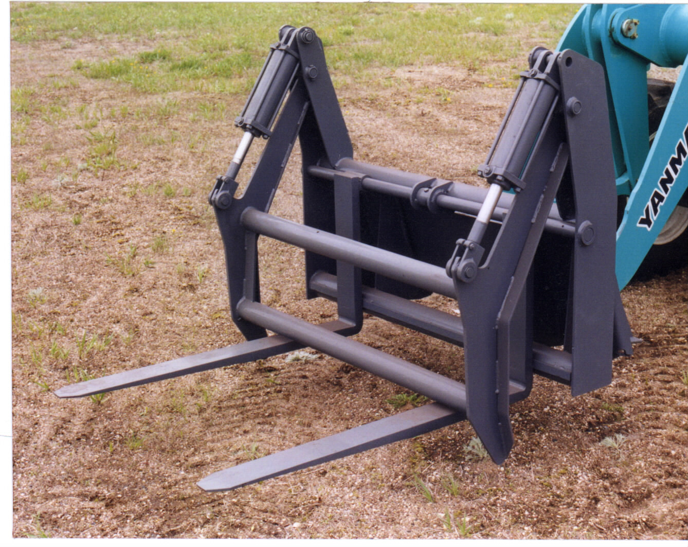 Skid Steer Forks – Attachments